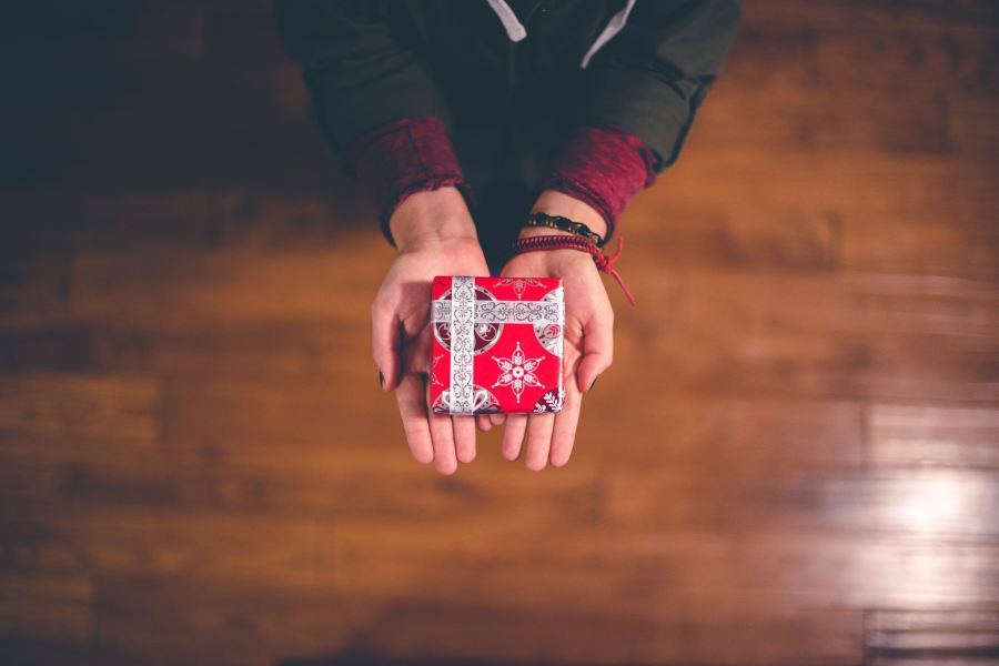 Holidays and gift ideas to help dads